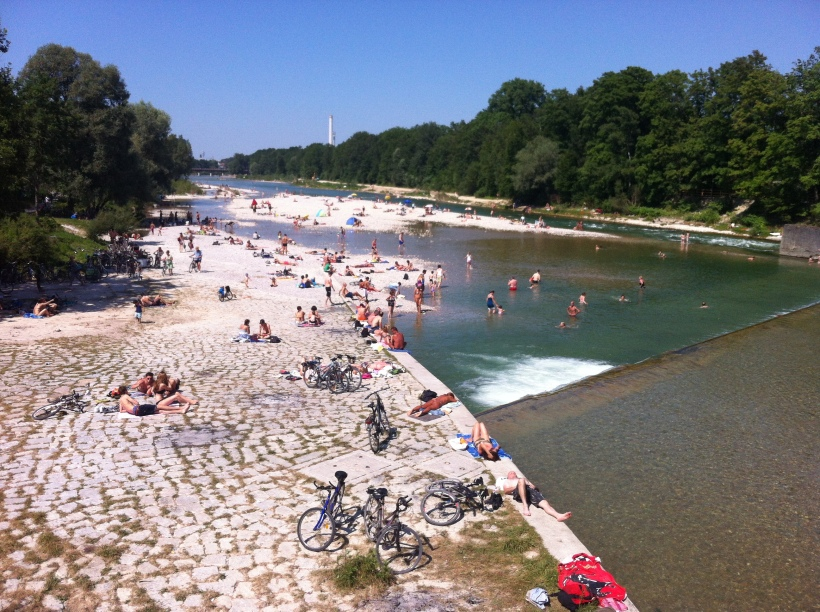 Summer shenanigans on the Isar