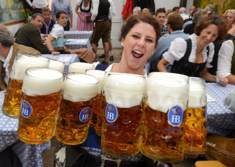 http://www.spiegel.de/fotostrecke/photo-gallery-munich-oktoberfest-ends-in-style-fotostrecke-102301-2.html Foto: Frank Leonhardt/dpa +++(c) dpa - Bildfunk+++